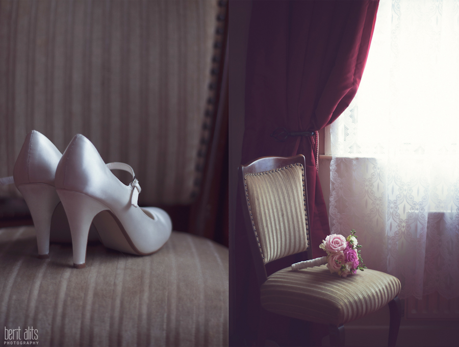 002 2_wedding photography_bride_detail_shoes_flowers