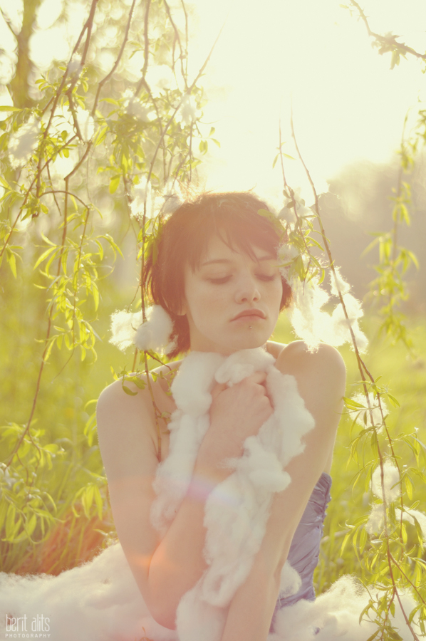 DSC_0481_creative_photography__girl_backlight_cotton_dreamy_photographer_artistic