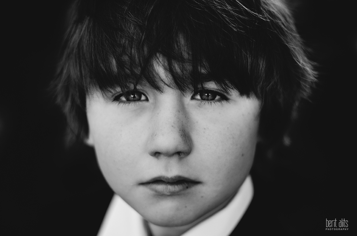 01_communion_cork_clonmel_tipperary_ireland_photographer_portrait_black_and_white