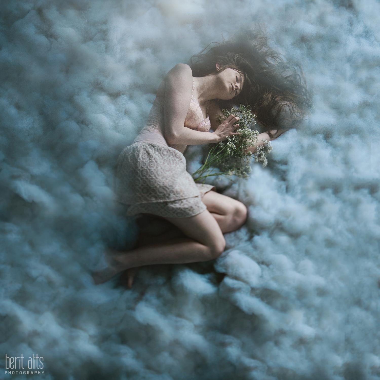 01_model_fairy_conceptual_fine art_cotton_cloud_creative_portrait_photography_photographer_nikon_d800_dreamy_babys_breath_long hair_lace_vintage_clonmel_tipperary_ireland_berit_alits