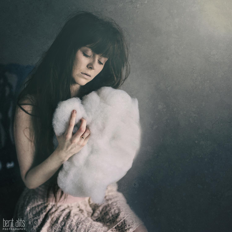 03_model_fairy_conceptual_fine art_cotton_cloud_creative_portrait_photography_photographer_nikon_d800_dreamy_babys_breath_long hair_lace_vintage_clonmel_tipperary_ireland_berit_alits