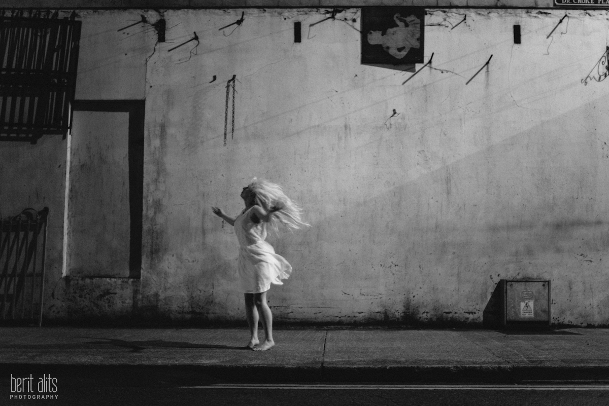 06_dancer_white_dress_black_and_white_artistic_conceptual_nikon_d800_50_mm_f1.4_clonmel_photography_photographer_ireland_tipperary_dreamy_