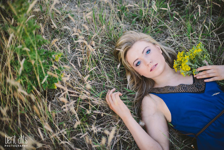 13_nikon_d800_girl_model_modeling_portfolio_clonmel_ireland_tipperary_whimsical_dreamy_bright_natural_light_pose_posing_photography_photographer_creative_portrait_blonde_blue_eyes_105_mm_f2_nature_sun_sunset