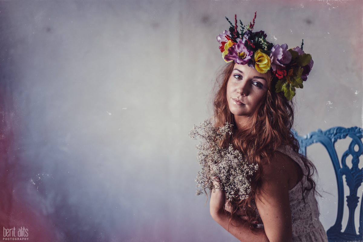 01_creative_portrait_photography_clonmel_ireland_tipperary_photographer_ethereal_conceptual_dreamy_organic_flowers_makeup_hair_natural_light_nikon_d800_pose_posing_model_redhead_props_berit_alits