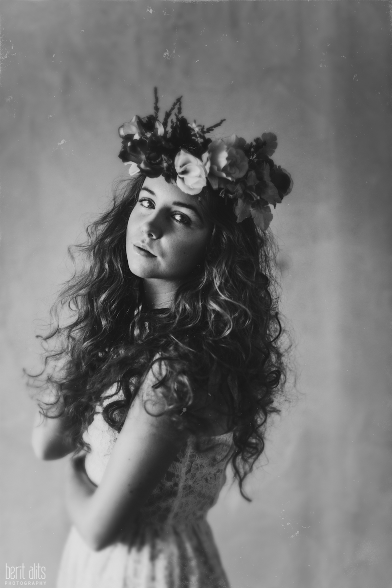 03_creative_portrait_photography_clonmel_ireland_tipperary_photographer_ethereal_conceptual_dreamy_organic_flowers_makeup_hair_natural_light_nikon_d800_pose_posing_model_redhead_props_berit_alits
