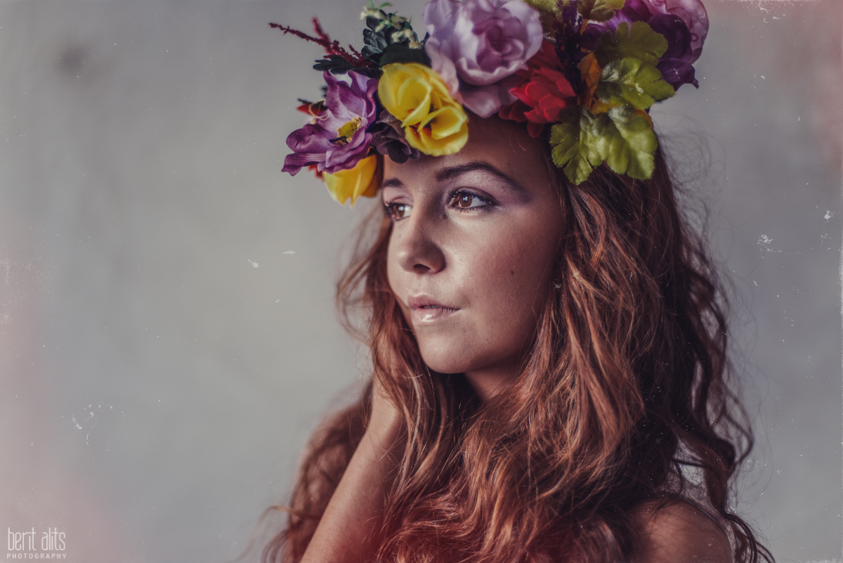 10_creative_portrait_photography_clonmel_ireland_tipperary_photographer_ethereal_conceptual_dreamy_organic_flowers_makeup_hair_natural_light_nikon_d800_pose_posing_model_redhead_props_berit_alits