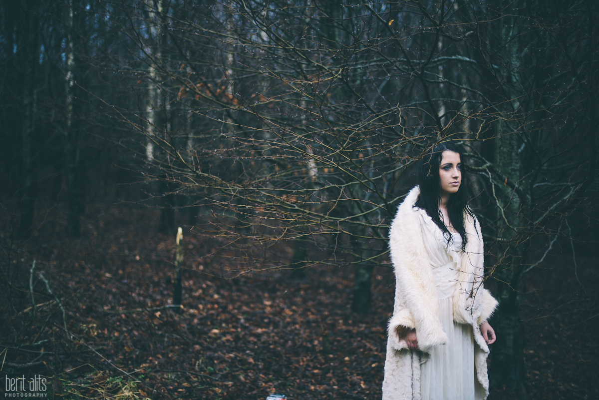 01_creative_portrait_forest_rainy_raindrops_winter_wet_day_long_hair_dress_lace_ethereal_dreamy_romantic_nikon_d800_50mm_natural_light_pose_posing_artistic_clonmel_ireland_tipperary_photography_photographer
