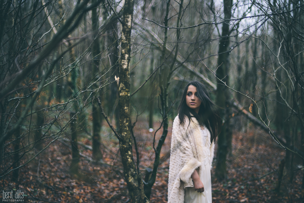 04_creative_portrait_forest_rainy_raindrops_winter_wet_day_long_hair_dress_lace_ethereal_dreamy_romantic_nikon_d800_50mm_natural_light_pose_posing_artistic_clonmel_ireland_tipperary_photography_photographer