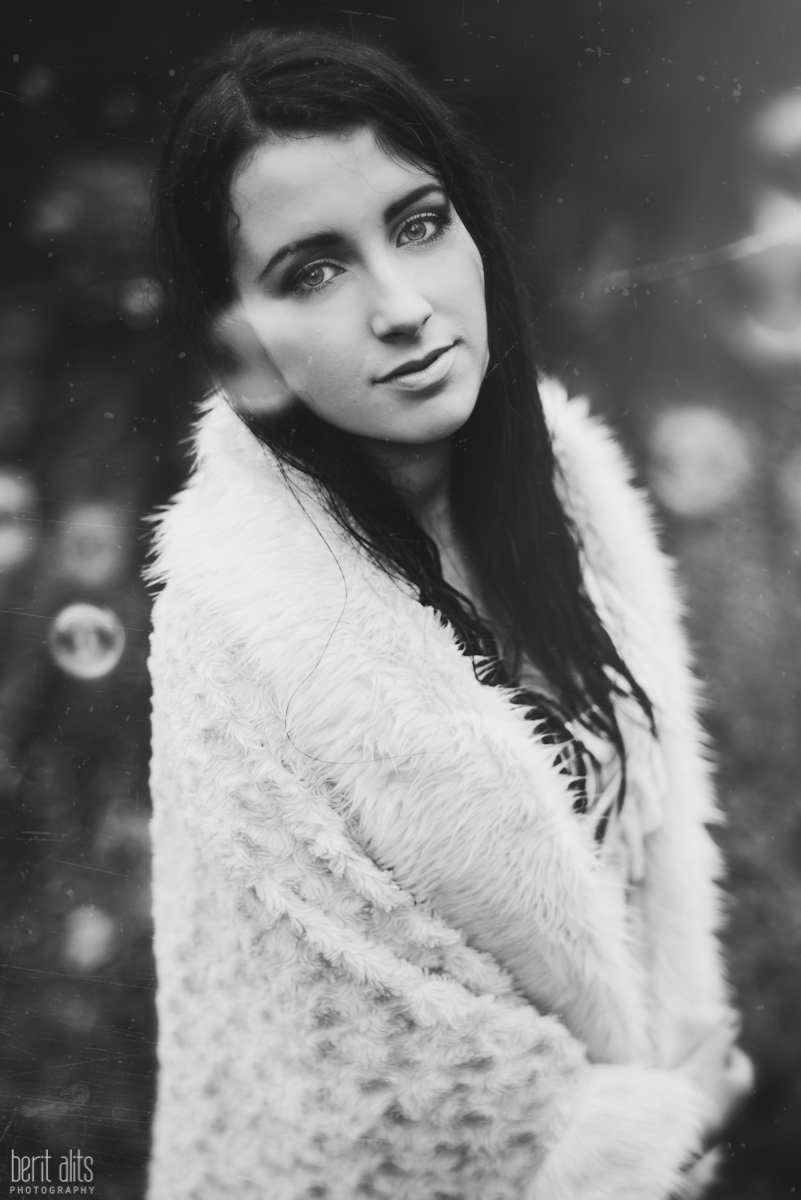 07_creative_portrait_forest_rainy_raindrops_winter_wet_day_long_hair_dress_lace_ethereal_dreamy_romantic_nikon_d800_50mm_natural_light_pose_posing_artistic_clonmel_ireland_tipperary_photography_photographer