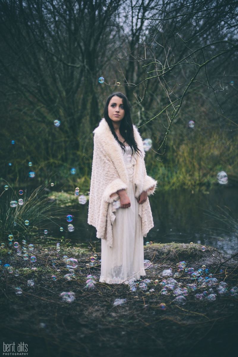 08_creative_portrait_forest_rainy_raindrops_winter_wet_day_long_hair_dress_lace_ethereal_dreamy_romantic_nikon_d800_50mm_natural_light_pose_posing_artistic_clonmel_ireland_tipperary_photography_photographer_bubbles