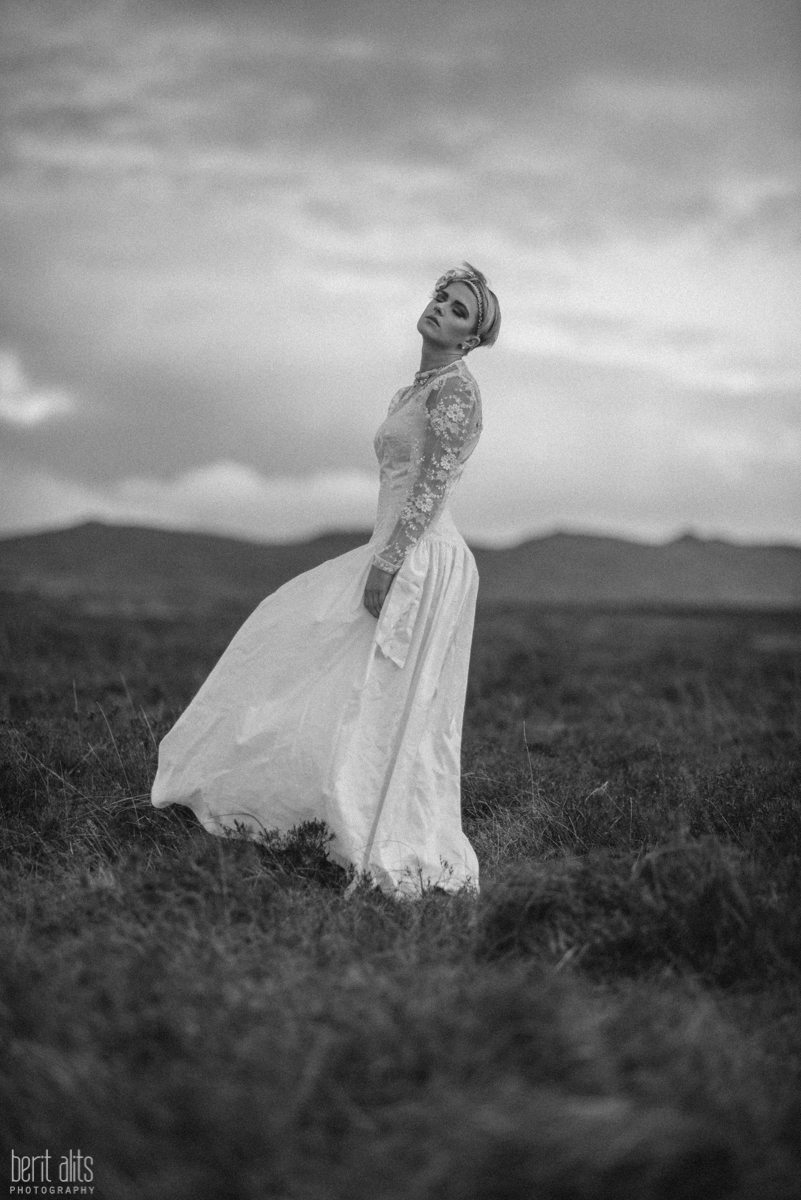 04_dreamy_photoshoot_portrait_conceptual_fine_art clonmel tipperary ireland photography photographer fashion pose posing nikon d800 backlight moody romantic field mountains hills comeraghs model