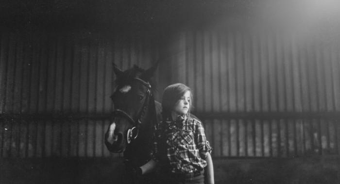 Mia, portraits with horse