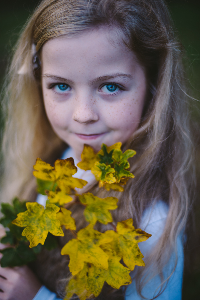 07 family photographer in clonmel co tipperary photographer autumn portraits child fine art portraiture season natural light nikon d800 pose posing leaf maple 105 mm 50 mm bokeh berit alits