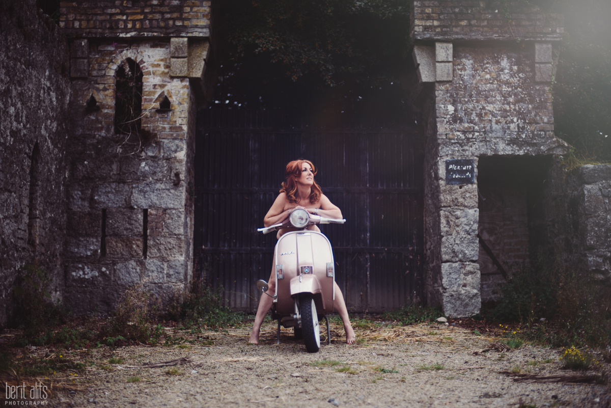 08 charity suicide prevention lifeline kilkenny scootergirls alliance calendar ireland ducketts grove carlow clonmel tipperary photographer photography vespa retro pinup photoshoot natural light fashion nikon d800 nikkor creative artistic timeless fu