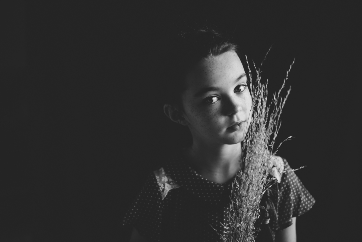 01 portrait photographer creative ireland clonmel berit alits tipperary viljandi eesti fotograaf black and white nikon natural light d800 connection emotive child kid low key eye connection