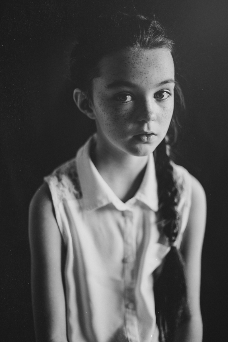 07  portrait photographer creative ireland clonmel berit alits tipperary viljandi eesti fotograaf black and white nikon natural light d800 connection emotive child kid low key eye connection