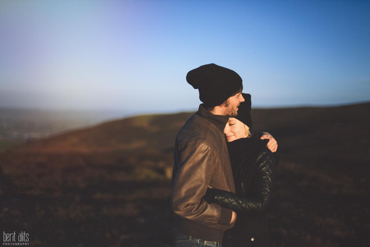 08_creative_couple-photography-clonmel-ireland-tipperary-comeraghs-portrait-wedding-engagement-photographer-natural-light-pose-posing-hills-mountains-nikon-d800-backlight_sun-bright