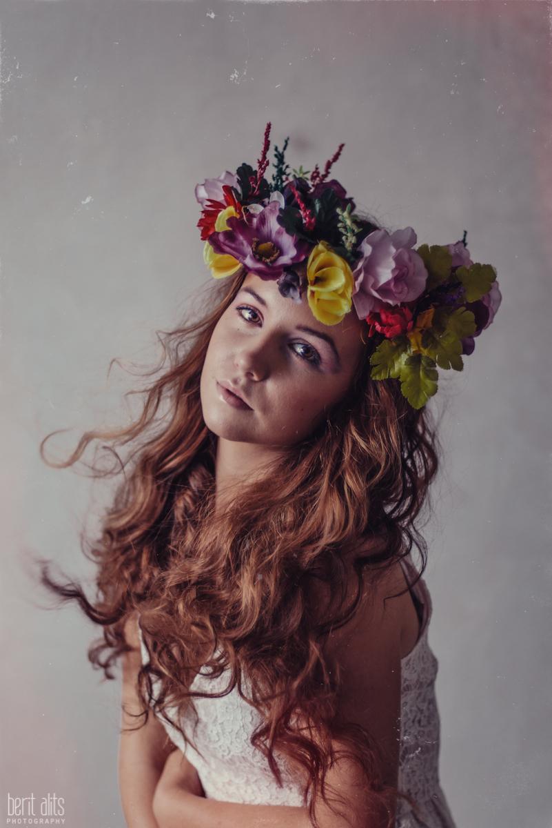 11_creative_portrait_photography_clonmel_ireland_tipperary_photographer_ethereal_conceptual_dreamy_organic_flowers_makeup_hair_natural_light_nikon_d800_pose_posing_model_redhead_props_berit_alits
