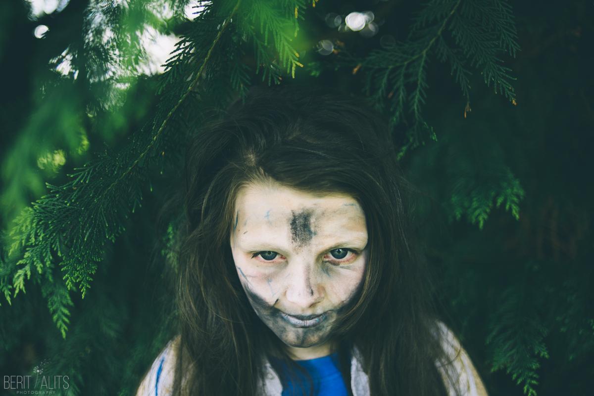 33 zombie portrait