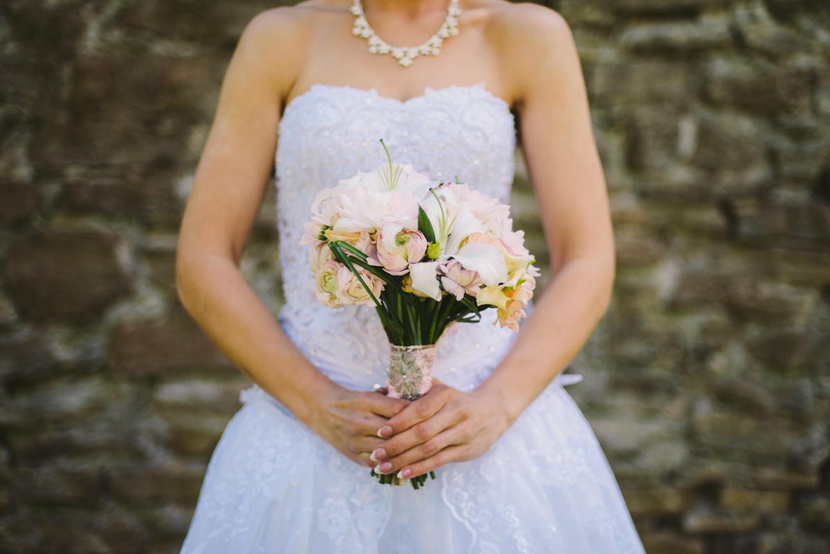 31 estonian wedding bridal flowers