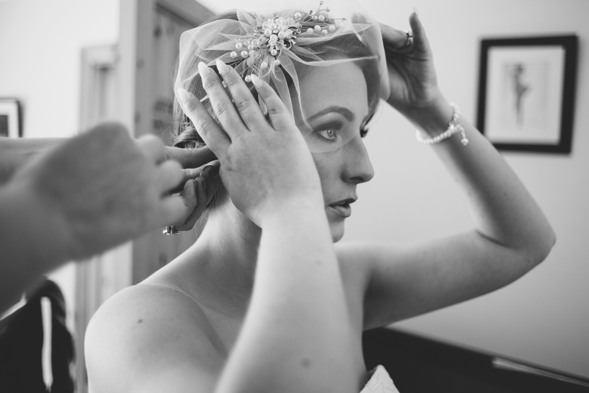 03 bride getting ready